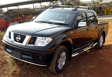 Nissan Navara Front Bumper Finisher S/S